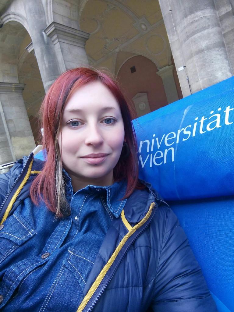 wein universitat selfie